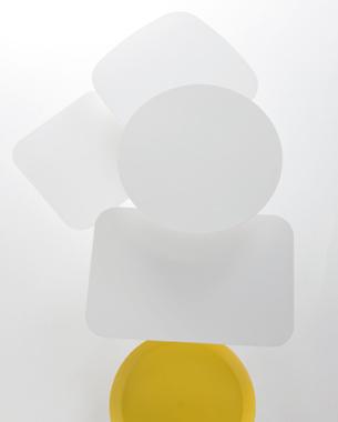 ... Mobiliario contemporáneo desarrollado por los más prestigiosos diseñadores internacionale. Viccarbe es un referente mundial en espacios de espera singulares. Muebles capaces de ubicarse en nuestra casa o cientos del mismo en una instalación, siempre polivalentes. La colección de Viccarbe es precisa porque sólo produce aquello que realmente es muy bueno, fabricar lo justo para consumir lo necesario.